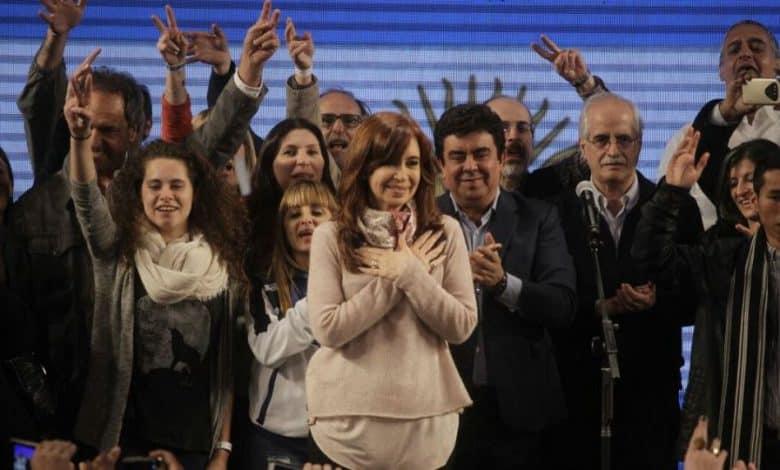 PASO: Cristina ganó la elección por 40.000 votos 1