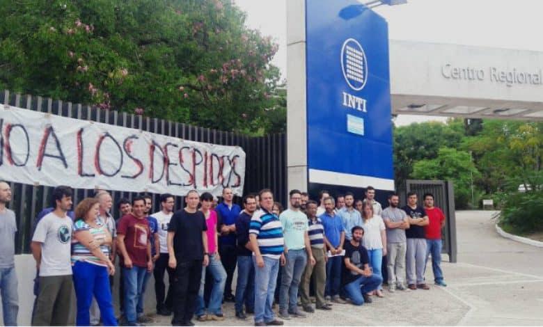 Dos legisladores donaron parte de su salario a los trabajadores despedidos del INTI 3