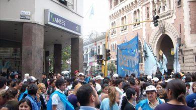 Movimientos sociales se concentran en las sedes de ANSES para reclamar planes de empleo 9