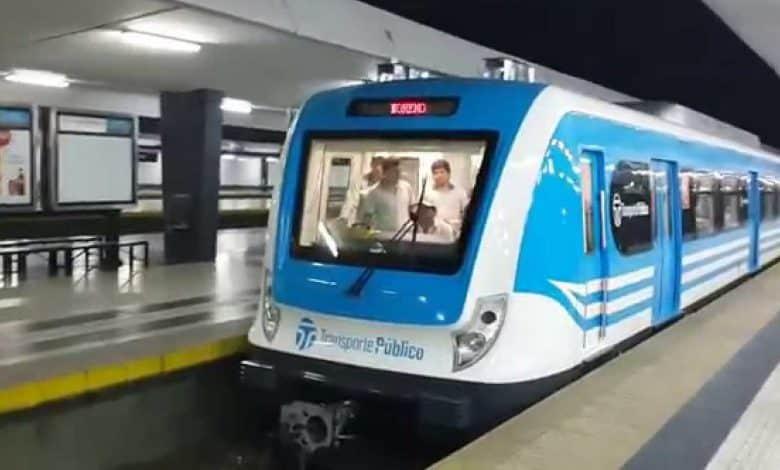 Por un corte de vías en Flores, el Sarmiento no llega a Once 1