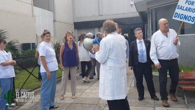Protesta de médicos de la clínica Modelo de Morón por mejoras salariales 3