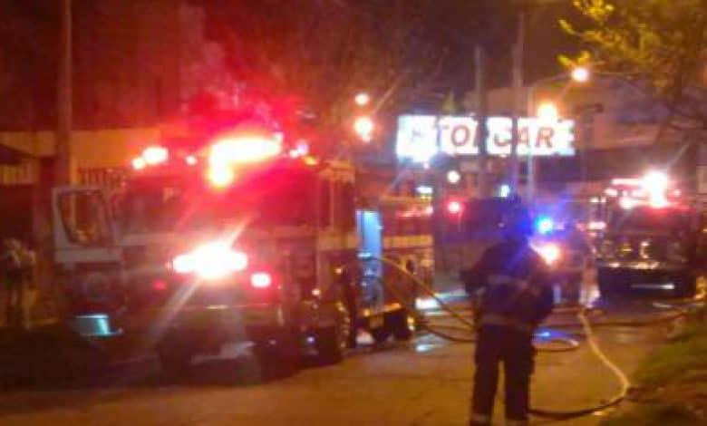 Se incendia la estación de servicio frente al Shopping Jumbo de Morón 1