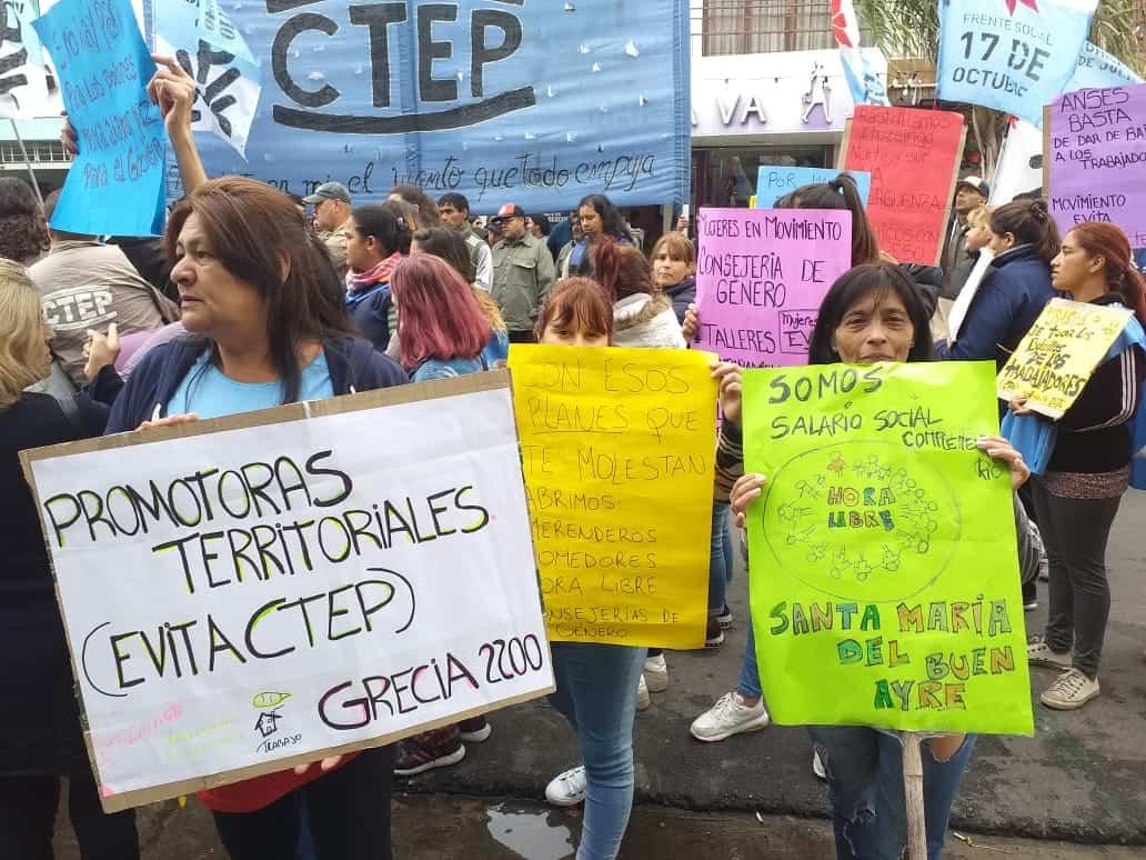 Organizaciones Sociales se movilizan al centro de Ituzaingó frente al ANSES 5