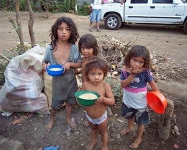 La pobreza en Argentina supera el 35% y sigue subiendo 3