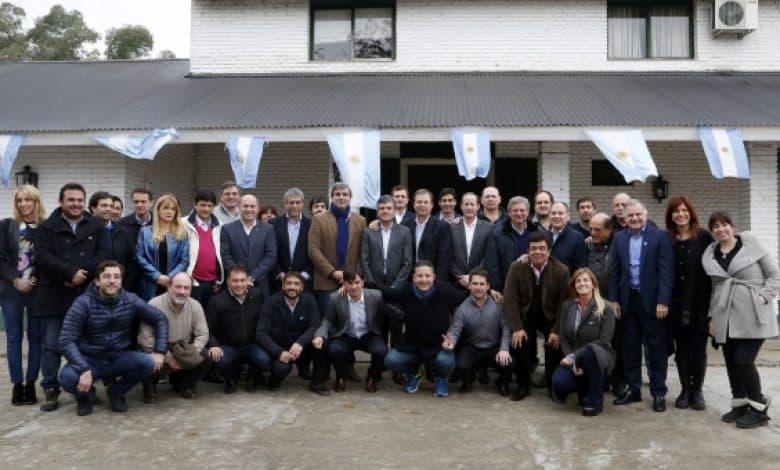 Intendentes y legisladores reunidos en Ituzaingó reclaman una nueva ley de policías locales 1