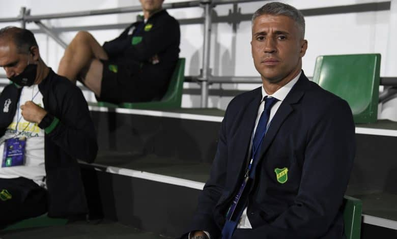 Sorpresiva renuncia de un entrenador argentino 1