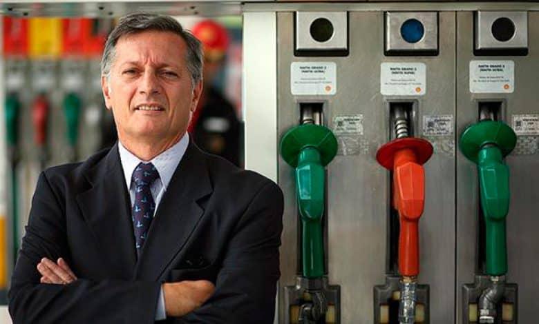 """Aranguren: """"Si la gente considera que la nafta es cara, dejará de consumir"""" 1"""