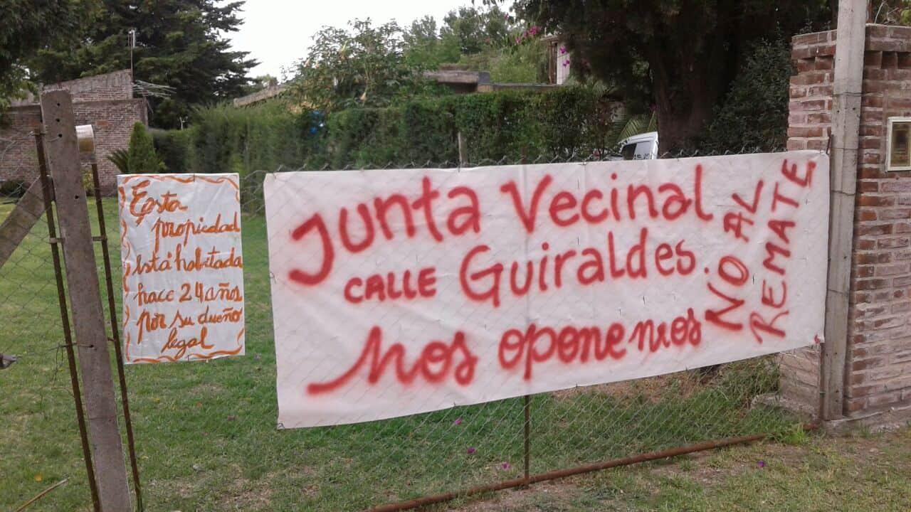 Un barrio entero en Villa Udaondo quiere impedir el injusto desalojo de una familia 7