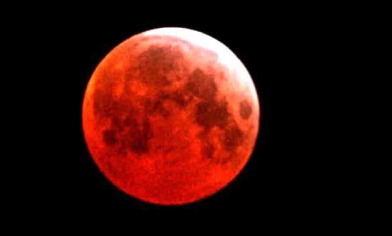 Esta noche la Superluna Azul se tiñe de rojo (mitos y verdades) 1