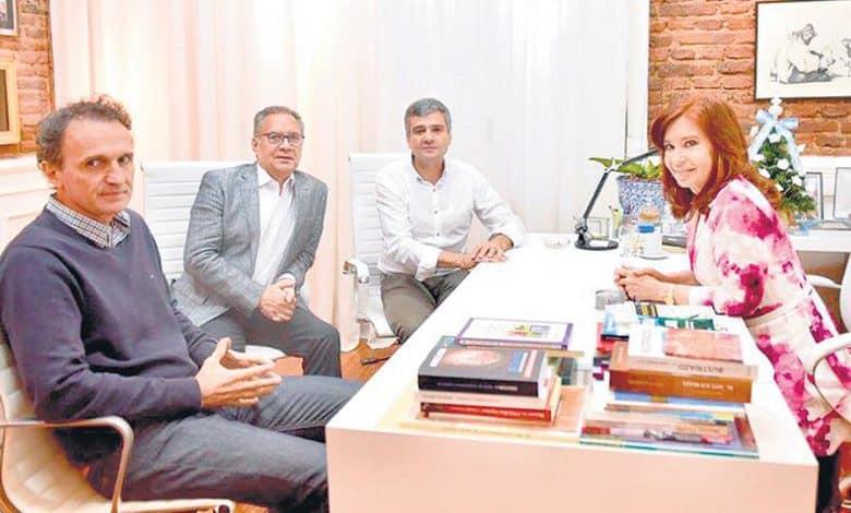 Alberto Descalzo se reunió con Cristina junto a los intendentes de la región 1