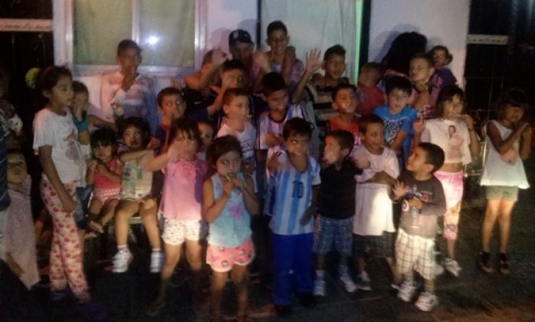 Cuarenta niños y niñas cenan en un comedor barrial que necesita donaciones 1
