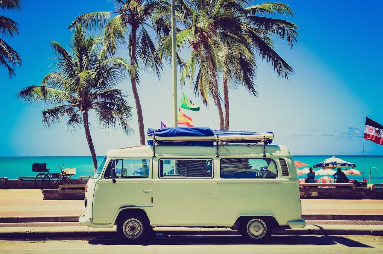 travel_Caroline-Gutman_392K[1]