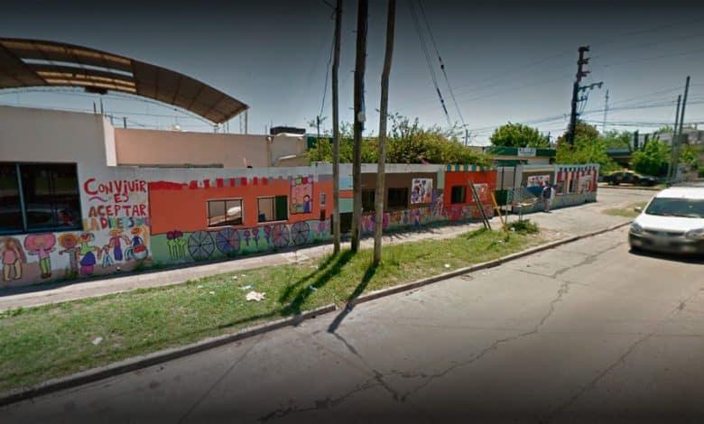 Ituzaingó: dos desconocidos quisieron prender fuego la Escuela Primaria N° 5 1
