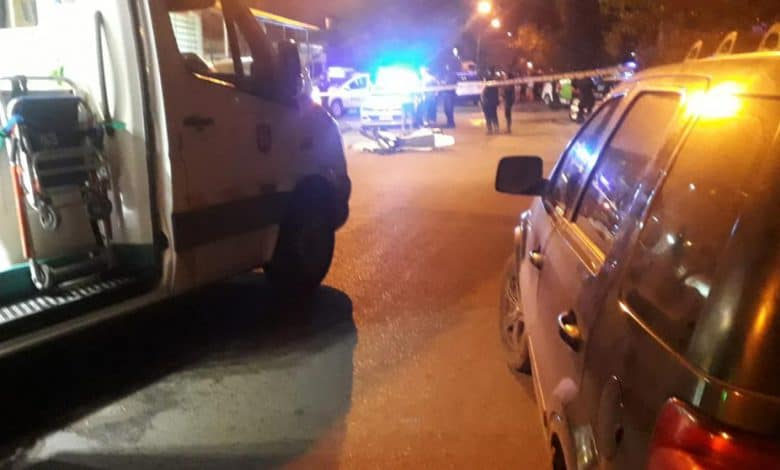Persecución fatal: muere una joven embarazada embestida por 2 motochorros que escapaban de la policía 1