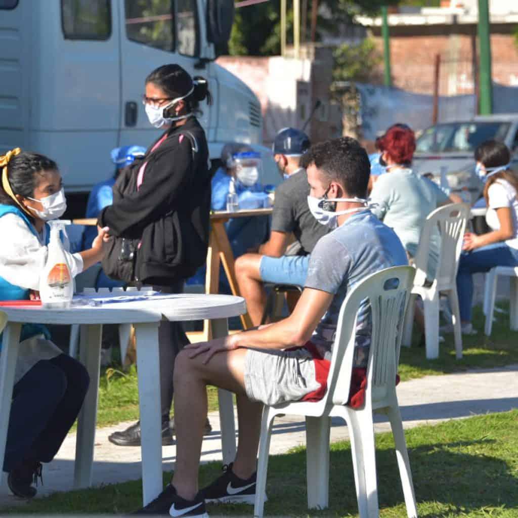 Ituzaingó: Desbordan de gente los puestos del programa Detectar y el 50% da positivo de Coronavirus 2