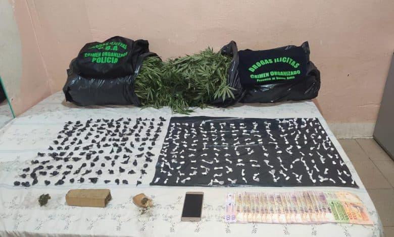 Múltiples allanamientos en Villa Udaondo con detenidos y secuestro de droga 1