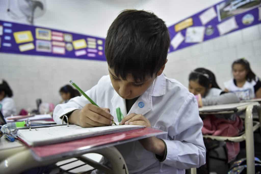Morón: continúan las remodelaciones en las escuelas del distrito 3