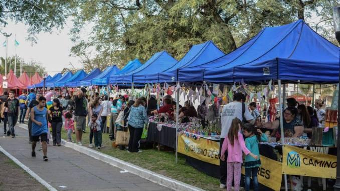 Ituzaingó: Vuelve la Feria de Emprendedores a la Plaza Sur 1