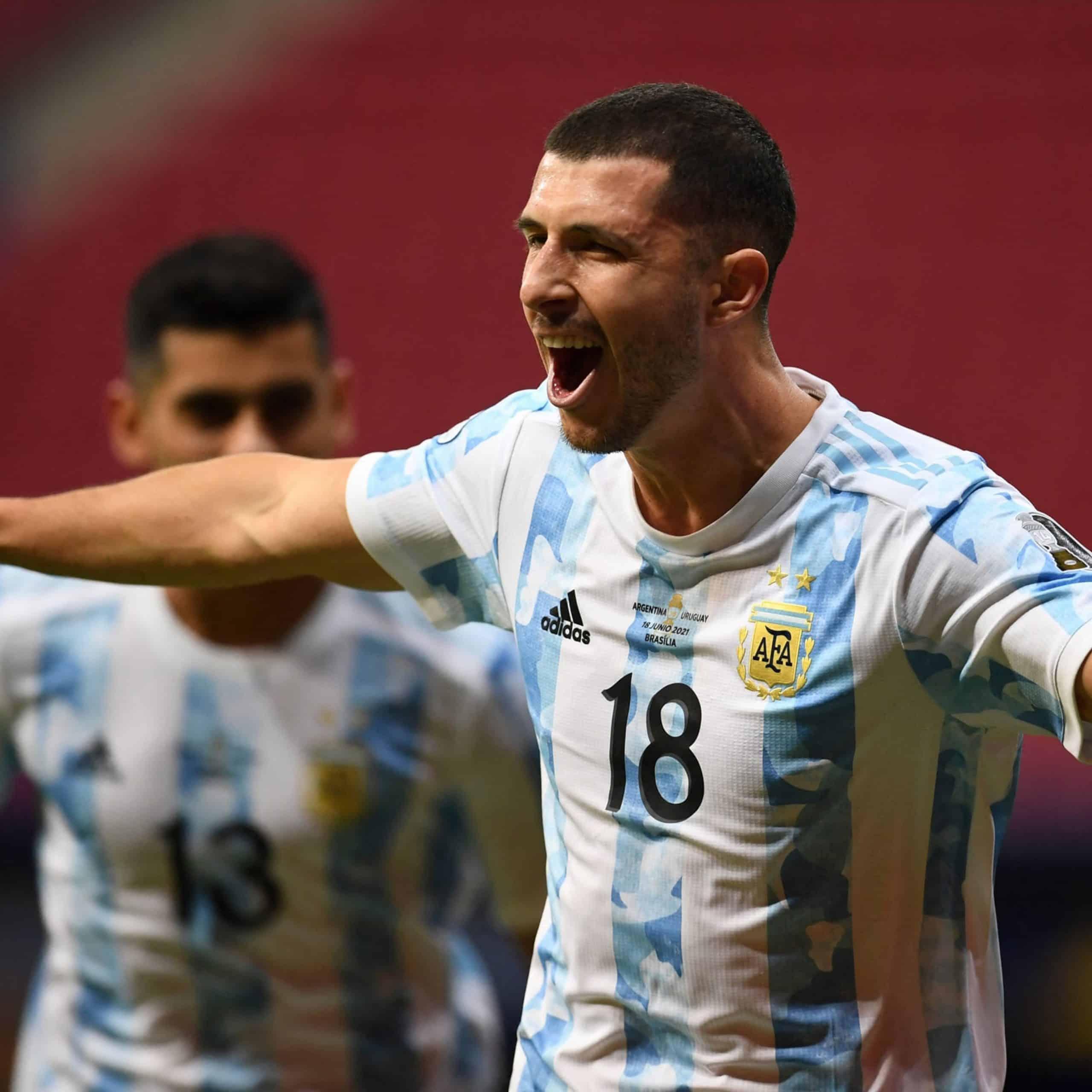 Argentina recuperó la sonrisa en el clásico rioplatense 2