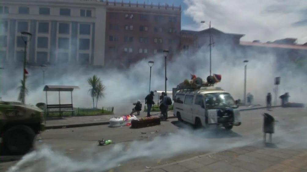 Organizaciones de Derechos Humanos de todo el continente piden la detención de Macri por el envío de armas a Bolivia 2