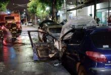 Se incendiaron 2 vehículos en pleno centro de Villa Ariza 14