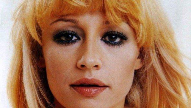 Murió Raffaella Carrá. un icono de la canción Italiana 2